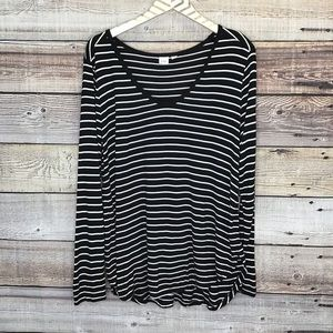 GAP Long Sleeve Striped Rayon Tee Black White 0031